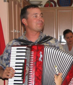 JoeAccordion 0806_edited-2
